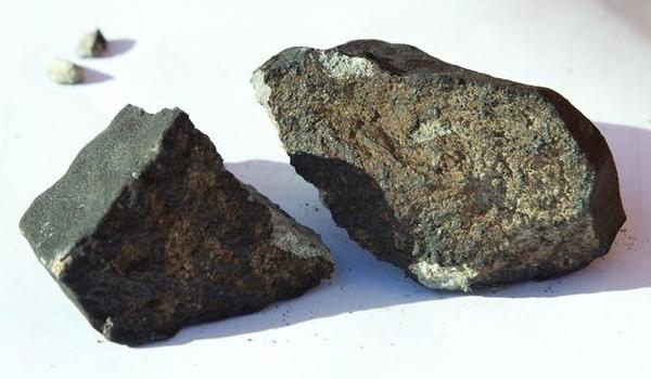 Aprovechan el meteorito ruso para crear #odotipo identificativo de una ciudad